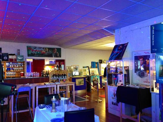 I Nybro finns världens enda James Bond museum. Foto: AB Glasriket